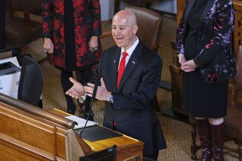 Heartland governor's race emerges as red-state gut check