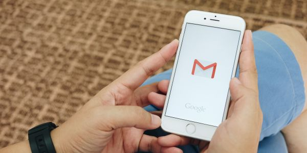 How to search Gmail for any email or sender on desktop or mobile, and use advanced search options