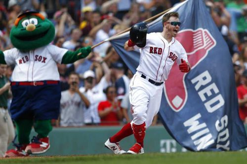 After two week wait, Holt, Red Sox top Royals to cap suspended game