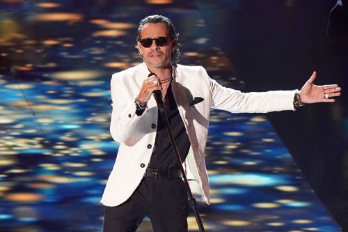 Marc Anthony apologizes to fans for concert's 'total collapse'