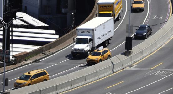 New York City sets up quarantine checkpoints as it toughens state travel restrictions