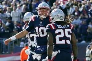 Patriots 'not satisfied' after routing Jets in 1st home win