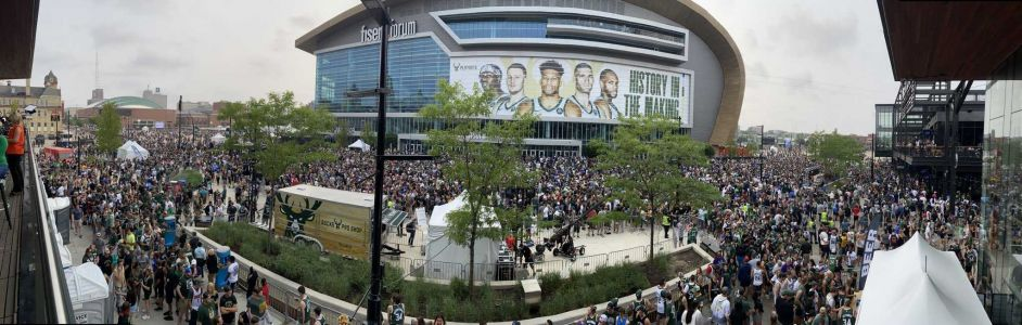 Live updates: Thousands of fans pack Deer District as Bucks go for NBA title