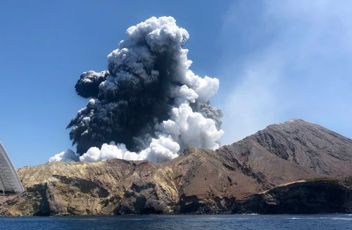 Bodies of New Zealand volcano victims could be entombed by volcanic ash: experts