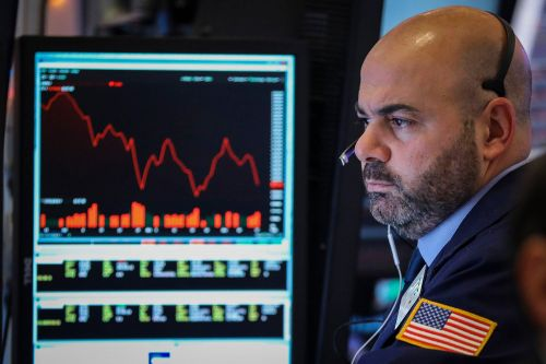 Wall Street plunge continues as Dow drops 500 points