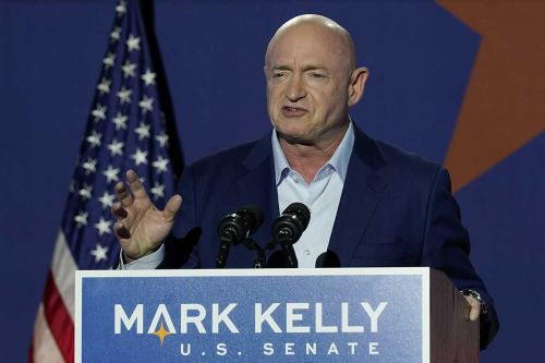 Arizona Democrat Mark Kelly sworn in as newest senator
