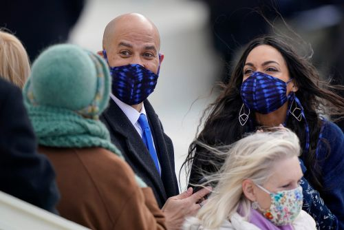 Rosario Dawson and Cory Booker wear matching masks on Inauguration Day