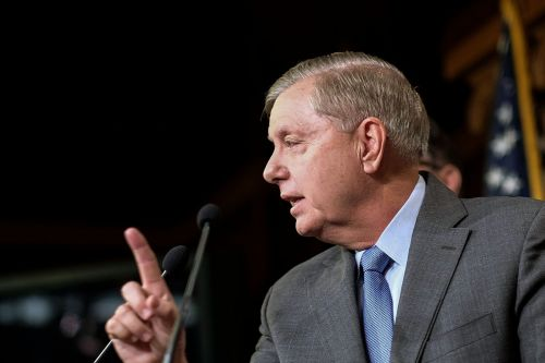 Lindsey Graham tries to kill witness vote with outside Biden probe