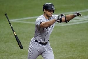 Yankees DH Stanton on 10-day injured list with quad strain