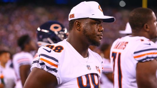 Bears' Bilal Nichols ejected after throwing punch at Buccaneers' Ryan Jensen