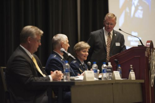 Mobility leaders discuss expanding competitive airlift edge at AFA panel