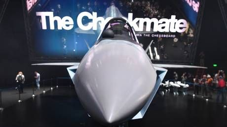 Meet Su-57's younger brother: RT takes closer look at Checkmate, Russia's fifth-gen fighter jet