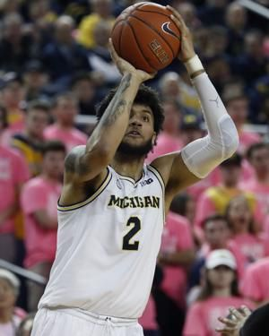 Michigan forward Livers applies for early entry to NBA draft