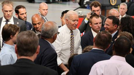 Mask or no mask? Biden covers up to meet Belarus activist, goes bare-faced in Pennsylvania crowd