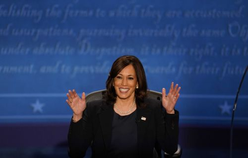Kamala Harris talks voting, COVID-19 during campaign stop in Ohio