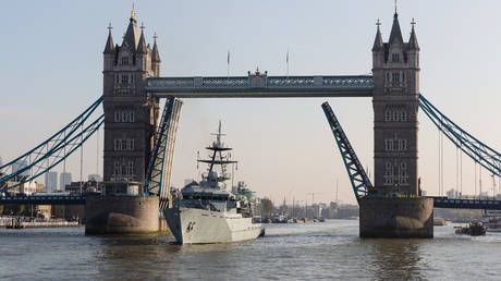 UK to send ROYAL NAVY to Jersey waters as French fishermen threaten to block island's main port