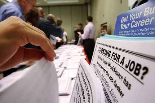 US jobless claims remain high as virus escalates