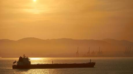 India's December oil imports jump to highest level in three years