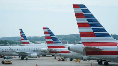 American & United axing 32,000 jobs as government cannot agree on airline bailout