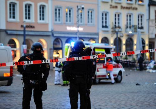Car plows through pedestrian street in Germany, at least 2 dead, 10 injured