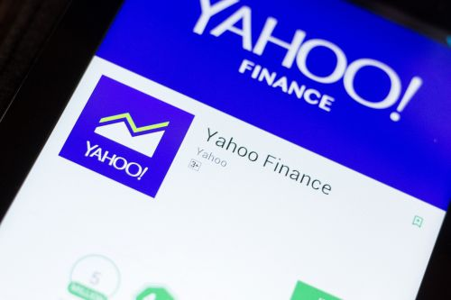 Yahoo Finance poaches 2 editors from TheStreet.com