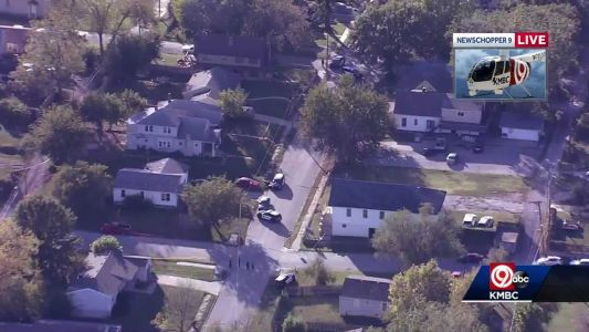 2 men, dog wounded in shooting near 17th, North Richmond in Kansas City, Kansas