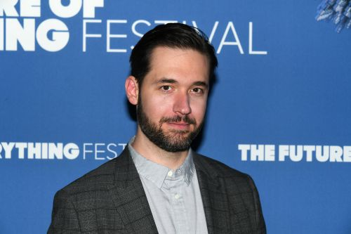 Reddit co-founder Alexis Ohanian steps down from board, calls for black successor