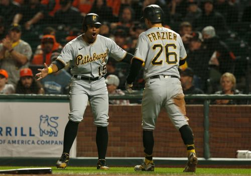 A few Giant gifts help Pirates to victory over San Francisco