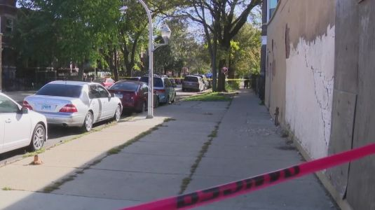 Police: One dead in Humboldt Park triple shooting