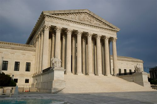 Supreme Court temporarily bars NYC from setting church attendance limits
