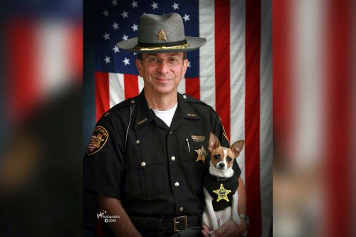 Sheriff and his beloved Chihuahua K9 die on same day, will be buried together