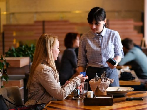 Here's how much you should tip in every situation