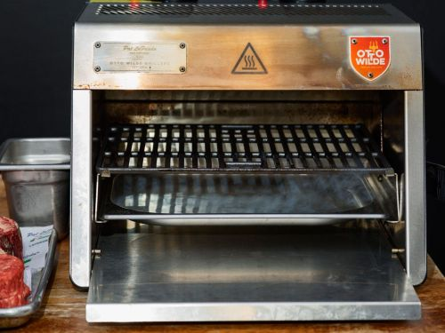 I've been using this specialty grill endorsed by legendary butcher Pat LaFrieda, and there's no better way to cook meat, pizza, or fish