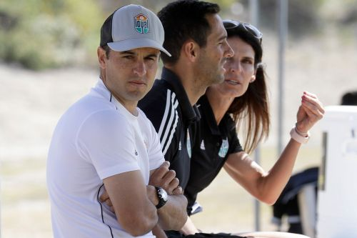 Landon Donovan's team walks out on soccer game after alleged gay slur