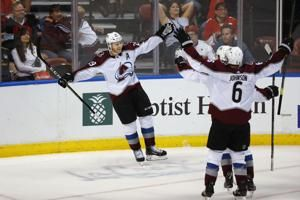 MacKinnon scores in OT, Avalanche beat Panthers 5-4