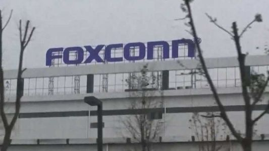 Foxconn says Racine County factory will be operational by 2020