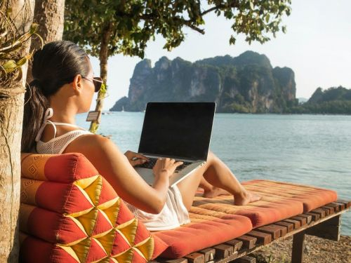 I'm a freelance travel journalist. Here's how I take time off - even during a pandemic - without falling behind or losing crucial business