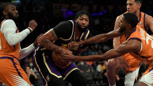 Frustrations boil over between Anthony Davis and Dwight Howard on Los Angeles Lakers bench