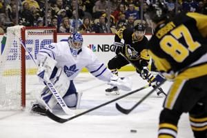 Crosby has goal, 3 assists as Penguins beat Maple Leafs 5-2