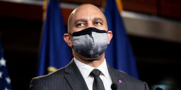 'Clean up your mess, Kevin': Democratic Rep. Hakeem Jeffries responds to Maxine Waters censure effort by telling GOP leader Kevin McCarthy to 'sit this one out'