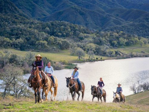 The 11 best dude ranches in the US for families, couples, seniors, and wranglers on a budget