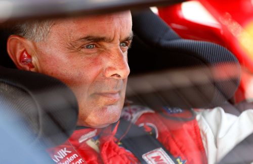 Former NASCAR champ Mike Stefanik dies in plane crash