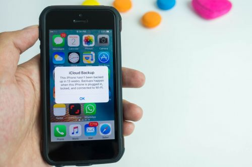A Congressman just asked Apple about those iCloud storage alerts that keep popping up on your iPhone, and Apple didn't seem sure how to respond