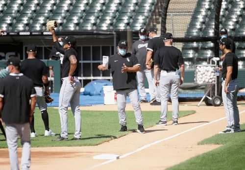 White Sox announce 2 players test positive for COVID-19
