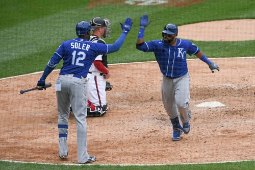 Another game gets away from the White Sox late in a loss to the Royals on Sunday
