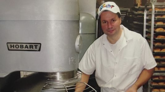 Community rallies around, raise money for Downers Grove bakery owner battling COVID-19