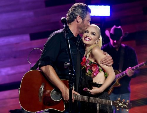 Gwen Stefani and Blake Shelton announce engagement