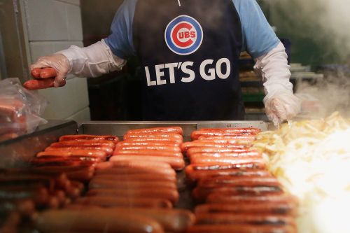 Company hiring 'MLB Food Tester' to eat hot dogs at stadiums