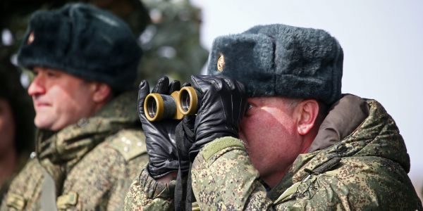Russian troops to pull back from Ukrainian border