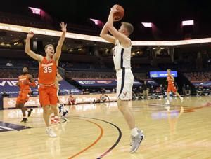 Hauser, Huff lead No. 8 Virginia past Syracuse, 81-58